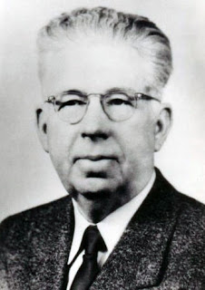 Formal photo of Abit Nix in his later years